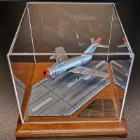 Миг-15. Сувенирная модель самолета. Масштаб 1:72
