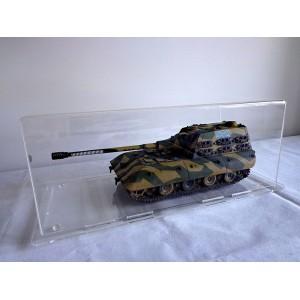 Короб, бокс, футляр для танков 1:35 или авто 1:18 на пластиковом основании.